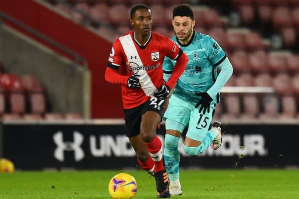 SOUTHAMPTON, ENGLAND - Monday, January 4, 2021: Southampton's Ibrahima Diallo (L) and Liverpool's Alex Oxlade-Chamberlain during the FA Premier League match between Southampton FC and Liverpool FC at St Mary's Stadium. (Pic by Propaganda)