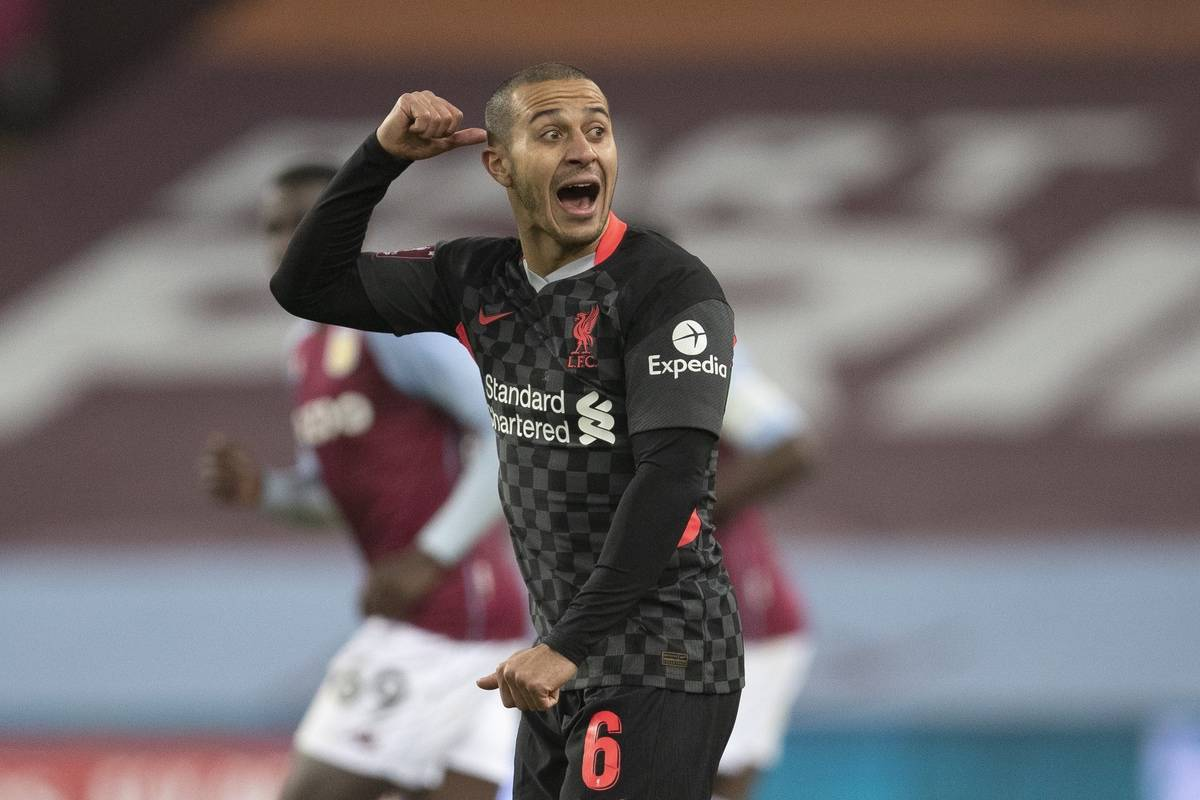 LIVERPOOL, ENGLAND - Tuesday, February 4, 2020: Liverpool's Thiago Alcantara during the FA Cup 4th Round Replay match between Liverpool FC and Shrewsbury Town at Anfield. (Pic by David Rawcliffe/Propaganda)