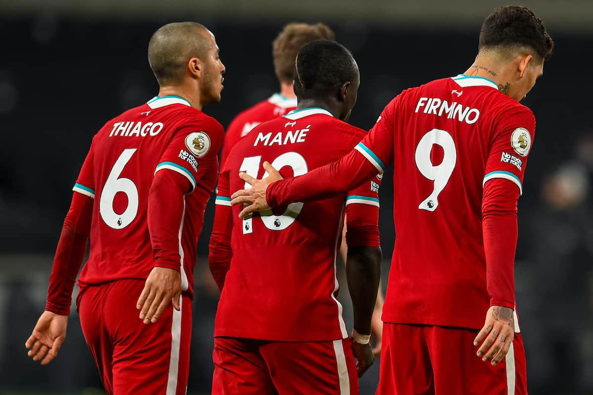 LONDON, ENGLAND - Thursday, January 28, 2021: Liverpool's Roberto Firmino (R) celebrates with team-mates after scoring the first goal with the last kick of the first half during the FA Premier League match between Tottenham Hotspur FC and Liverpool FC at the Tottenham Hotspur Stadium. (Pic by Propaganda)