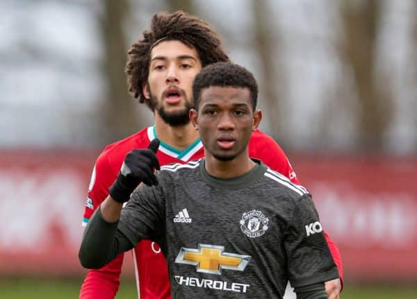 KIRKBY, ENGLAND - Saturday, January 30, 2021: Manchester United's Amad Diallo and Liverpool's Remi Savage (L) during the Premier League 2 Division 1 match between Liverpool FC Under-23's and Manchester United FC Under-23's at the Liverpool Academy. (Pic by David Rawcliffe/Propaganda)