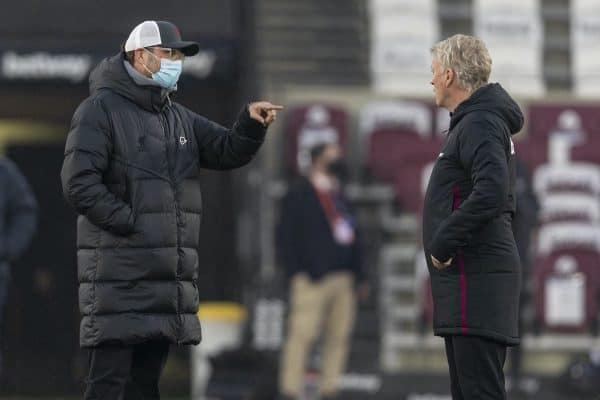 LONDON, ENGLAND - Sunday, January 31, 2021: Liverpool's manager Jürgen Klopp (L) and West Ham United's manager David Moyes during the pre-match warm-up before the FA Premier League match between West Ham United FC and Liverpool FC at the London Stadium. (Pic by David Rawcliffe/Propaganda)
