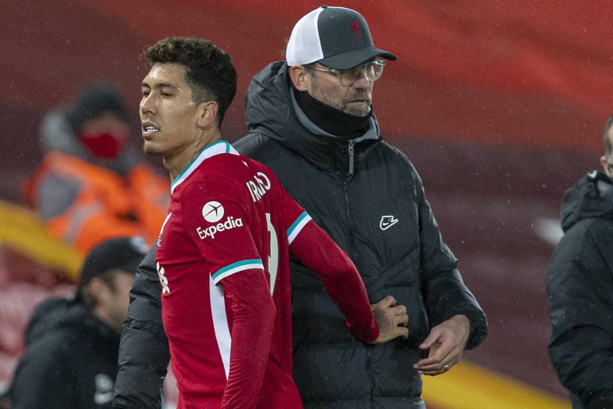 LIVERPOOL, ENGLAND - Wednesday, February 3, 2021: Liverpool's Roberto Firmino and manager Jürgen Klopp during the FA Premier League match between Liverpool FC and Brighton & Hove Albion FC at Anfield. (Pic by David Rawcliffe/Propaganda)