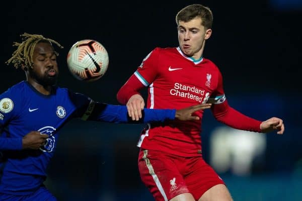 KINGSTON-UPON-THAMES, ENGLAND - Friday, February 19, 2021: Liverpool's Ben Woodburn (R) and Chelsea's Captain Dynel Simeu during the Premier League 2 Division 1 match between Chelsea FC Under-23's and Liverpool FC Under-23's at the Kingsmeadow Stadium. (Pic by David Rawcliffe/Propaganda)