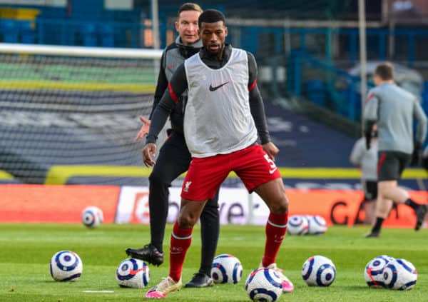 LEEDS, ENGLAND - Monday, April 19, 2021: Liverpool's Georginio Wijnaldum during the pre-match warm-up before during the FA Premier League match between Leeds United FC and Liverpool FC at Elland Road. (Pic by Propaganda)