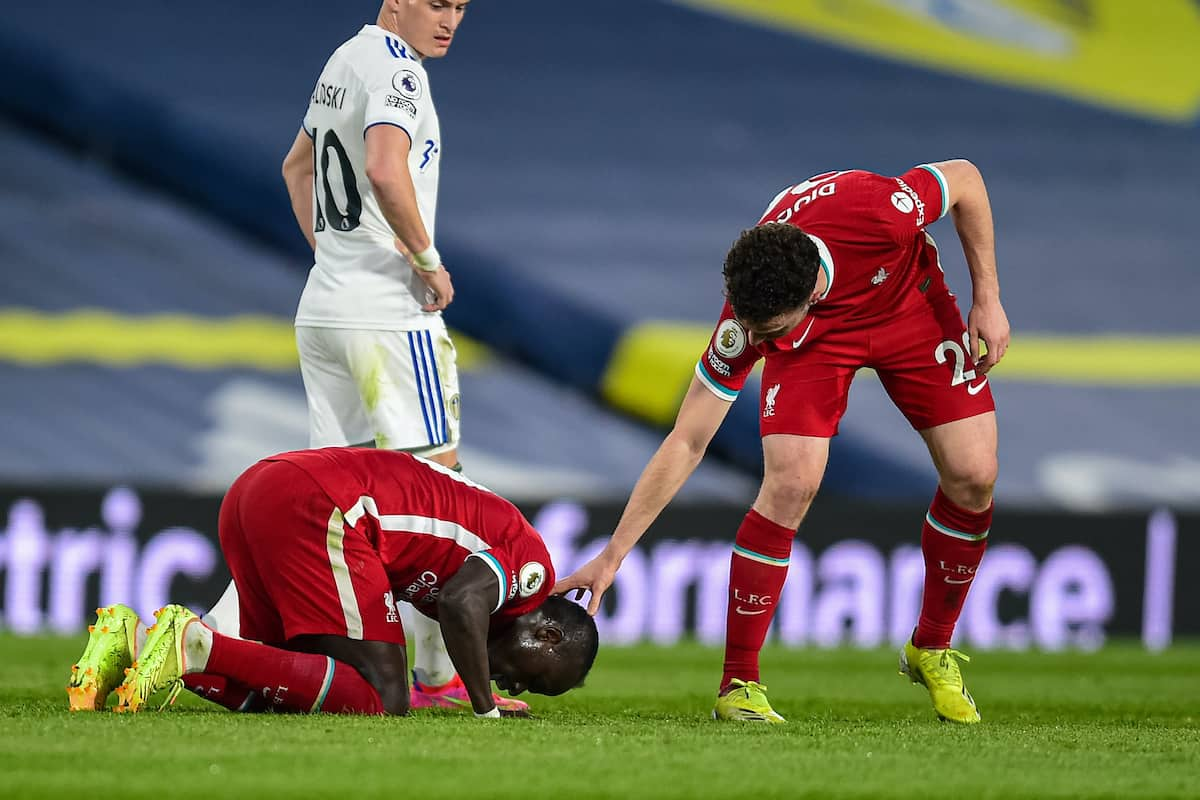 LEEDS, ENGLAND - Monday, April 19, 2021: Liverpool's Sadio Mané kneels to pray as he celebrates after scoring the first goal during the FA Premier League match between Leeds United FC and Liverpool FC at Elland Road. (Pic by Propaganda)