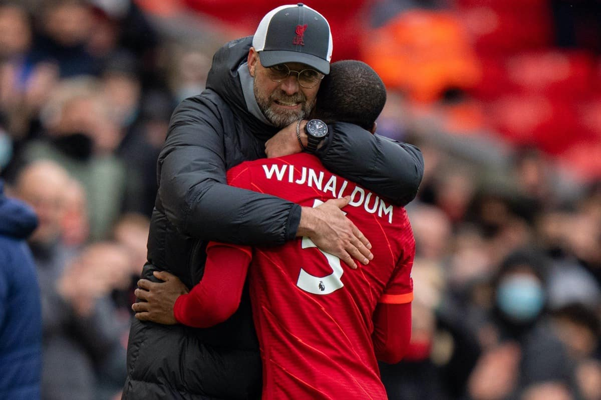 LIVERPOOL, ENGLAND - Sunday, May 23, 2021: Liverpool's manager Jürgen Klopp embraces Georginio Wijnaldum as he is substituted during the final FA Premier League match between Liverpool FC and Crystal Palace FC at Anfield. (Pic by David Rawcliffe/Propaganda)
