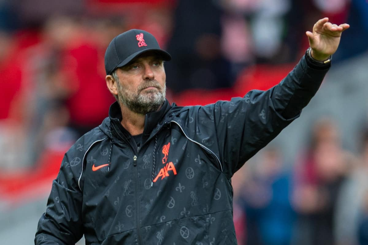 LIVERPOOL, ENGLAND - Sunday, August 8, 2021: Liverpool's manager Jürgen Klopp waves to the supporters after a pre-season friendly match between Liverpool FC and Athletic Club de Bilbao at Anfield. (Pic by David Rawcliffe/Propaganda)