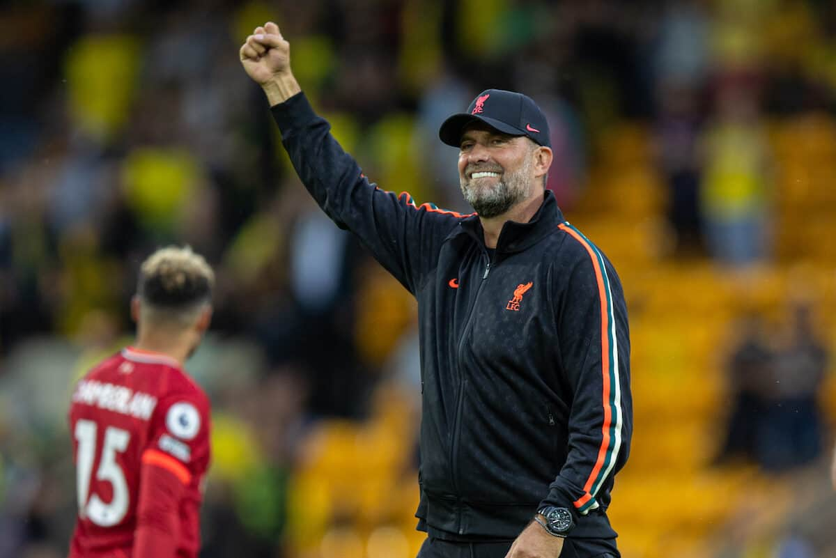 NORWICH, ENGLAND - Saturday, August 14, 2021: Liverpool's manager Jürgen Klopp waves to supporters after the FA Premier League match between Norwich City FC and Liverpool FC at Carrow Road. Liverpool won 3-0. (Pic by David Rawcliffe/Propaganda)