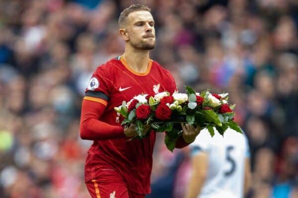 LIVERPOOL, ENGLAND - Saturday, August 21, 2021: Liverpool's captain Jordan Henderson lays a wreath in memory of the past players who died during the Covid-19 pandemic during the FA Premier League match between Liverpool FC and Burnley FC at Anfield. (Pic by David Rawcliffe/Propaganda)