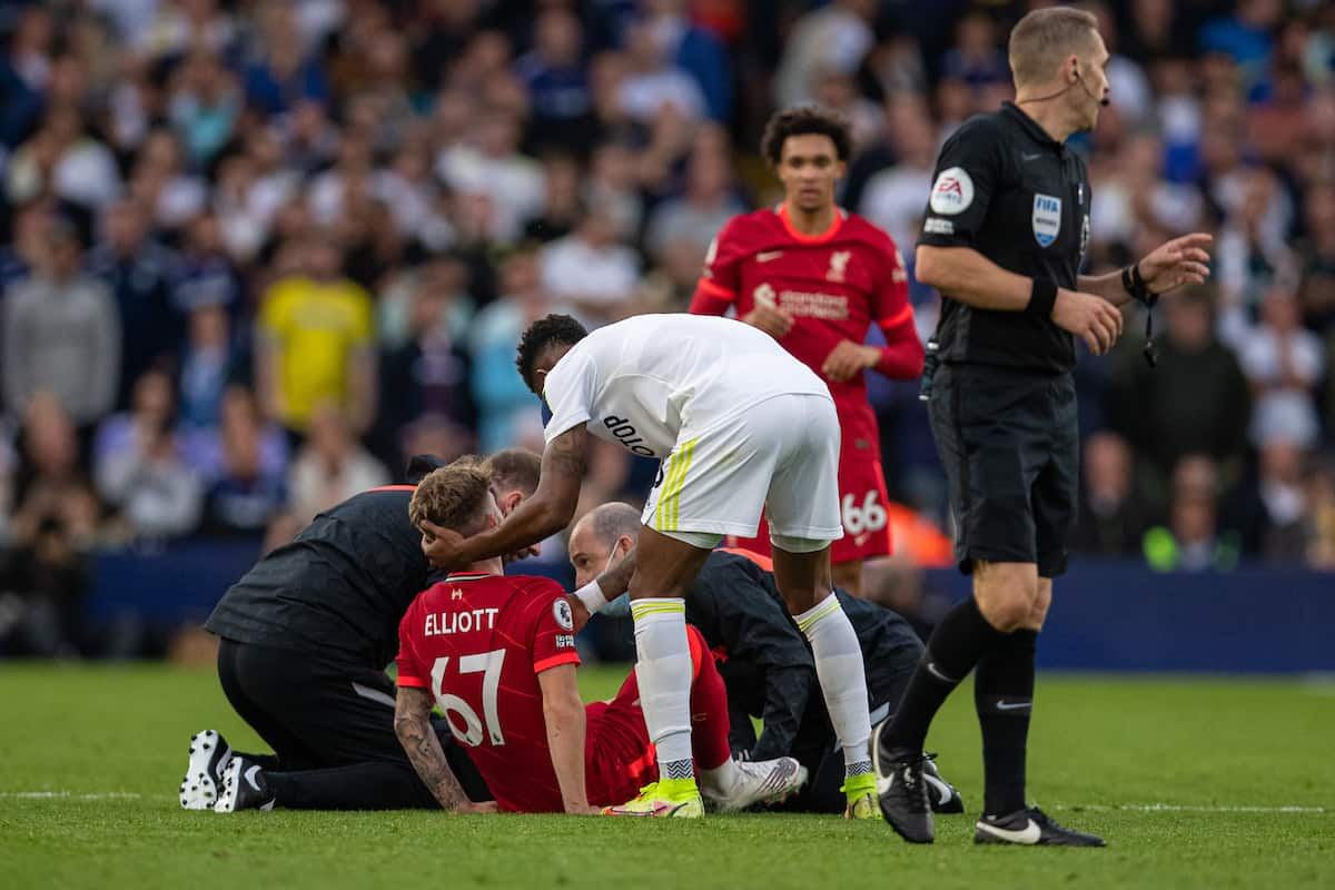LEEDS, ENGLAND - Sunday, September 12, 2021: Liverpool's Harvey Elliott receives treatment for an injury before being carried off during the FA Premier League match between Leeds United FC and Liverpool FC at Elland Road. (Pic by David Rawcliffe/Propaganda)