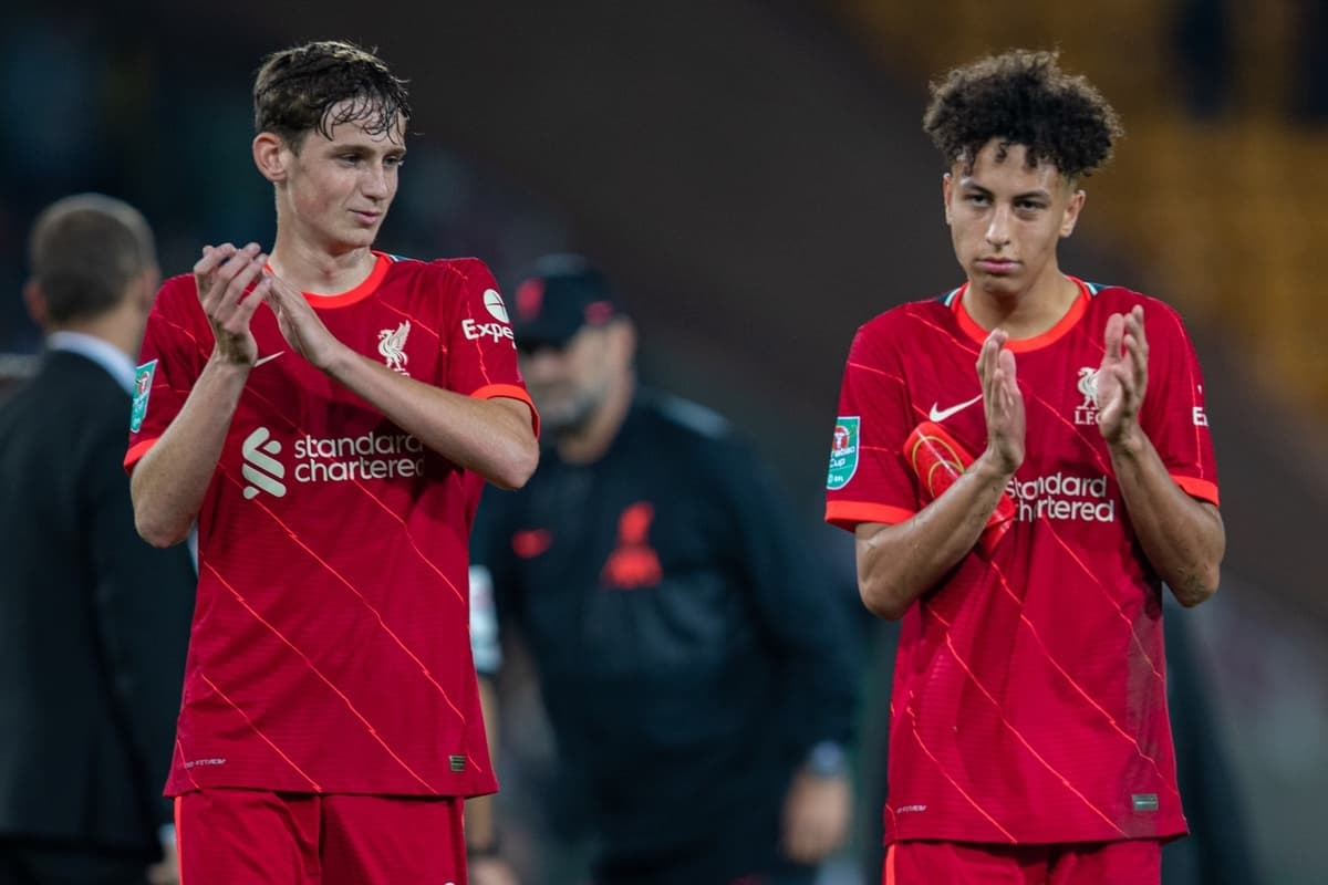 NORWICH, ENGLAND - Tuesday, September 21, 2021: Liverpool's Max Woltman (L) and Kaide Gordon (R) applaud the travelling supporters after the Football League Cup 3rd Round match between Norwich City FC and Liverpool FC at Carrow Road. Liverpool won 3-0. (Pic by David Rawcliffe/Propaganda)