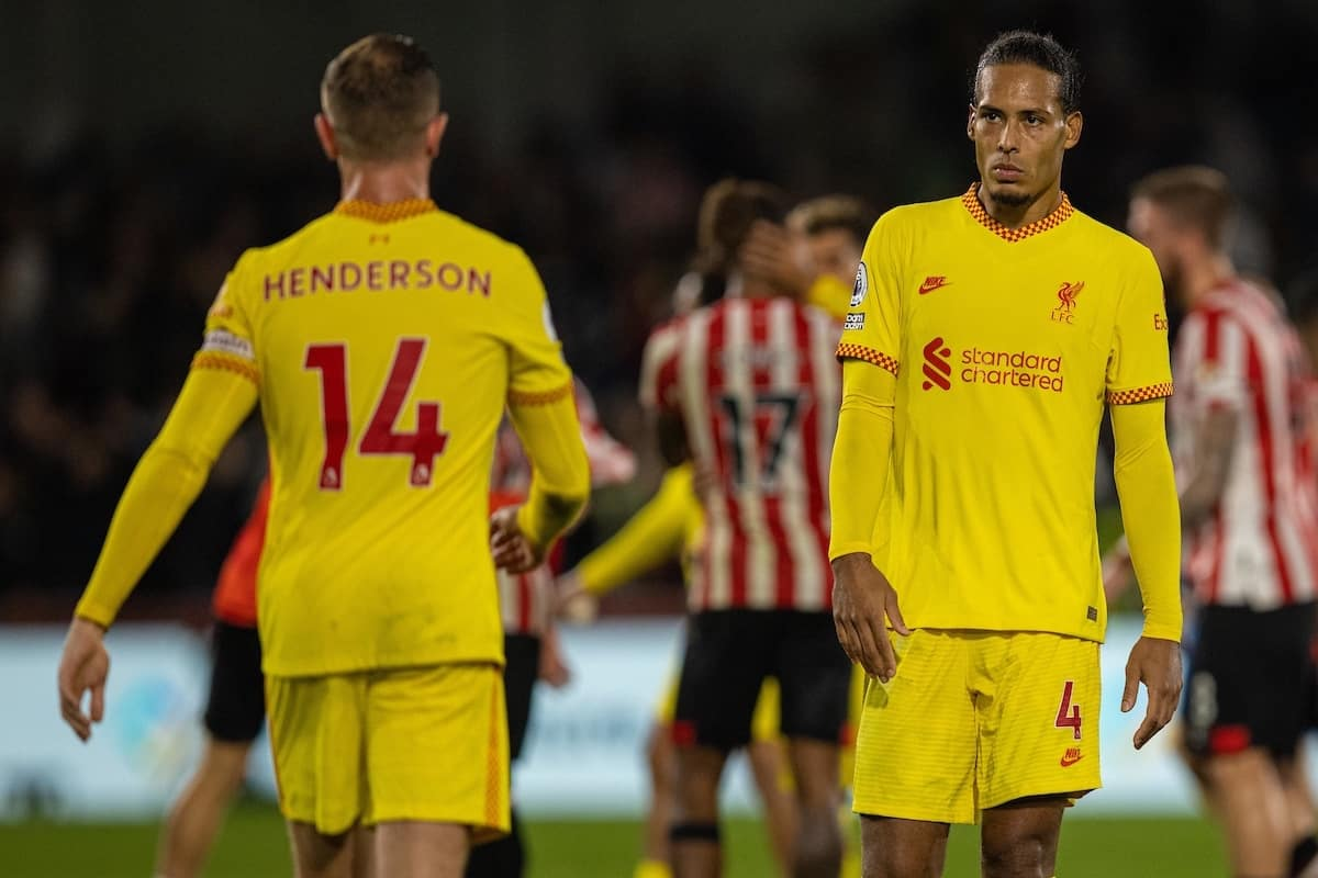 LONDON, ENGLAND - Saturday, September 25, 2021: Liverpool's Virgil van Dijk looks dejected after the FA Premier League match between Brentford FC and Liverpool FC at the Brentford Community Stadium. The game ended in a 3-3 draw. (Pic by David Rawcliffe/Propaganda)