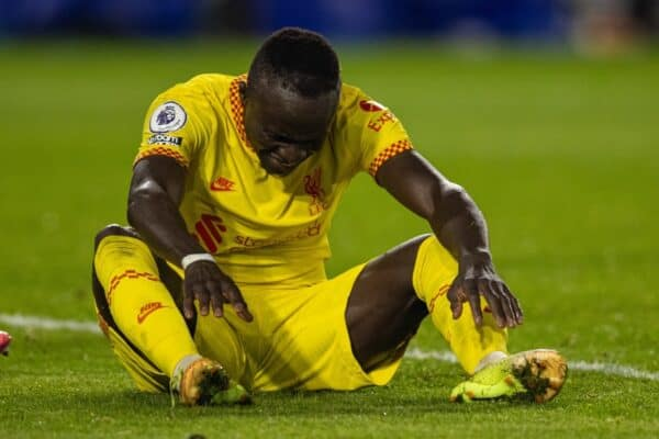 LONDON, ENGLAND - Saturday, September 25, 2021: Liverpool's Sadio Mané looks dejected after missing a chance during the FA Premier League match between Brentford FC and Liverpool FC at the Brentford Community Stadium. The game ended in a 3-3 draw. (Pic by David Rawcliffe/Propaganda)