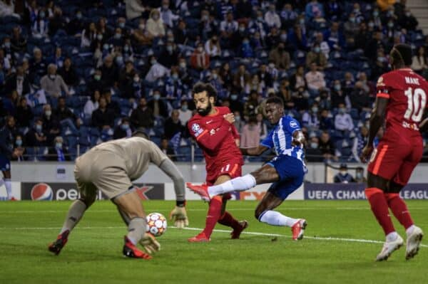 PORTO, PORTUGAL - Tuesday, September 28, 2021: Liverpool's Mohamed Salah scores the first goal during the UEFA Champions League Group B Matchday 2 game between FC Porto and Liverpool FC at the Estádio do Dragão. (Pic by David Rawcliffe/Propaganda)