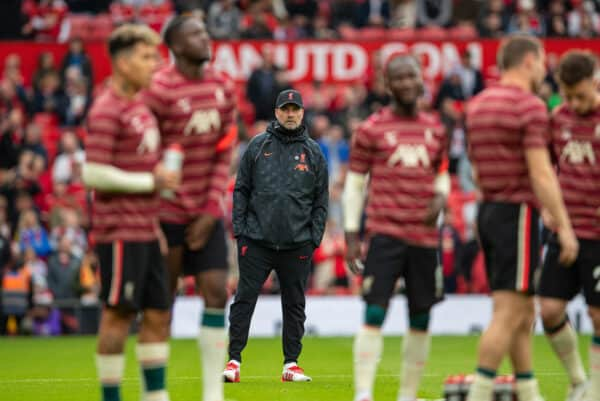 MANCHESTER, ENGLAND - Sunday, October 24, 2021: Liverpool's manager Jürgen Klopp during the pre-match warm-up before the FA Premier League match between Manchester United FC and Liverpool FC at Old Trafford. (Pic by David Rawcliffe/Propaganda)