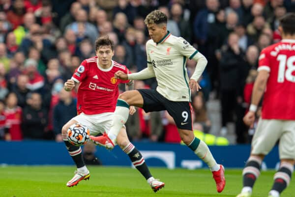 MANCHESTER, ENGLAND - Sunday, October 24, 2021: Liverpool's Roberto Firmino during the FA Premier League match between Manchester United FC and Liverpool FC at Old Trafford. (Pic by David Rawcliffe/Propaganda)