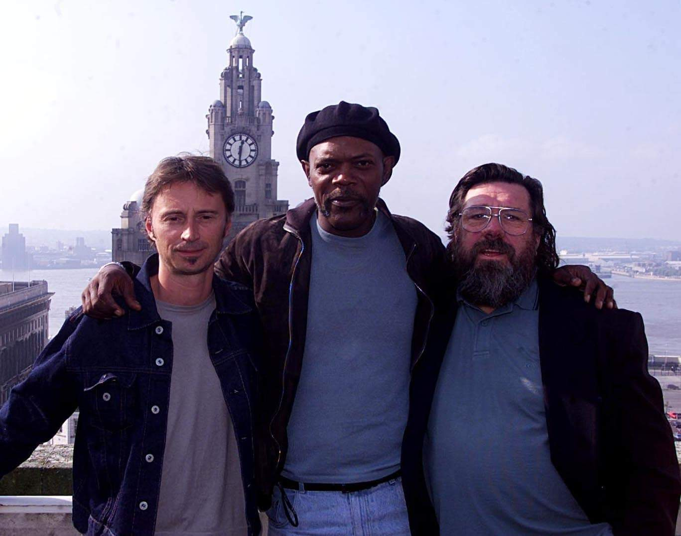Actors Robert Carlyle, American Samuel L Jackson and Ricky Tomlinson pose outside Liverpool Town Hall, to announce the start of principal photography ahead of director Ronny Yu's film 51st State. (Picture by PA PA Archive/PA Images)