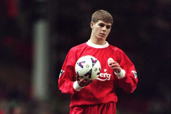 Liverpool's Steven Gerrard prepares to take a throw during his debut - 29-Nov-1998 - (Picture by Mike Egerton EMPICS Sport)