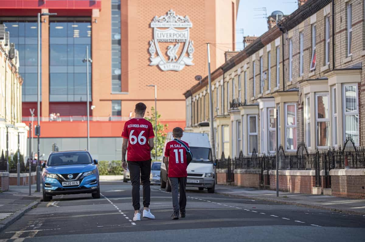 LIVERPOOL, ENGLAND - Wednesday, September 15, 2021: Liverpool fans make their way to the stadium before the UEFA Champions League Group B Matchday 1 game between Liverpool FC and AC Milan at Anfield. (Pic by Paul Currie/Propaganda)
