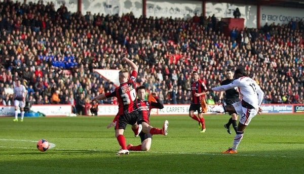 BOURNEMOUTH, ENGLAND - Saturday, January 25, 2014: Liverpool's Victor Moses scores the first goal against Bournemouth during the FA Cup 4th Round match at Dean Court. (Pic by David Rawcliffe/Propaganda)