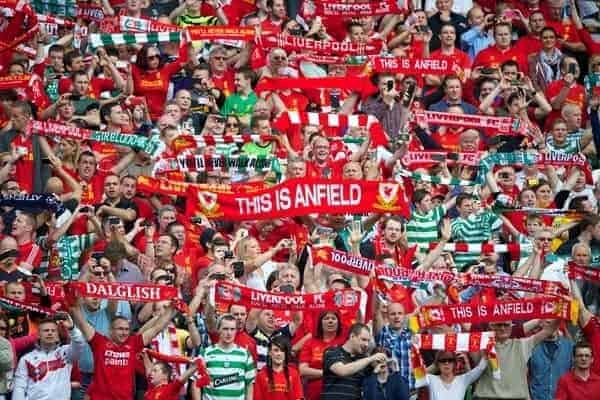 DUBLIN, REPUBLIC OF IRELAND - Saturday, August 10, 2013: Liverpool supporters sing 'You'll Never Walk Alone' before a preseason friendly match against Glasgow Celtic at the Aviva Stadium. (Pic by David Rawcliffe/Propaganda)