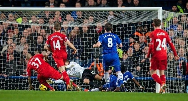 LONDON, ENGLAND - Sunday, December 29, 2013: Chelsea's Samuel Eto'o scores the second goal against Liverpool during the Premiership match at Stamford Bridge. (Pic by David Rawcliffe/Propaganda)
