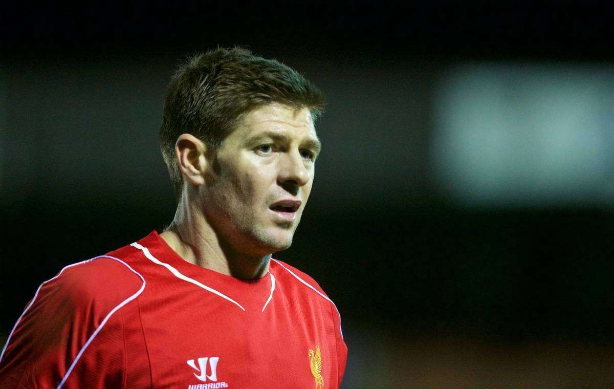 KINGSTON-UPON-THAMES, ENGLAND - Monday, January 5, 2015: Liverpool's captain Steven Gerrard in action against AFC Wimbledon during the FA Cup 3rd Round match at the Kingsmeadow Stadium. (Pic by David Rawcliffe/Propaganda)