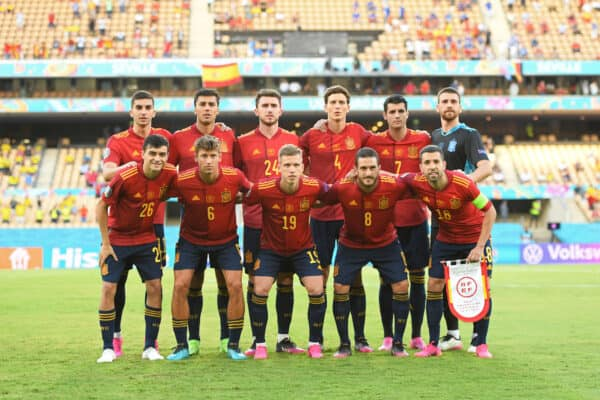 SEVILLE, SPAIN - JUNE 14: Players of Spain pose for a team photograph prior to the UEFA Euro 2020 Championship Group E match between Spain and Sweden at the La Cartuja Stadium on June 14, 2021 in Seville, Spain. (Photo by Aitor Alcalde - UEFA/UEFA via Getty Images)