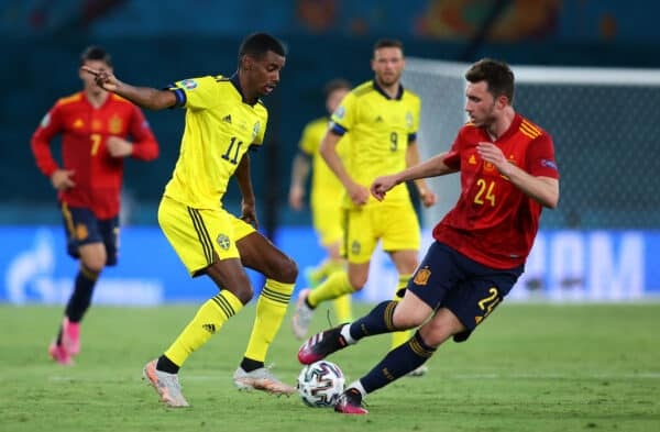 SEVILLE, SPAIN - JUNE 14: Alexander Isak of Sweden runs at Aymeric Laporte of Spain during the UEFA Euro 2020 Championship Group E match between Spain and Sweden at the La Cartuja Stadium on June 14, 2021 in Seville, Spain. (Photo by Fran Santiago - UEFA/UEFA via Getty Images)