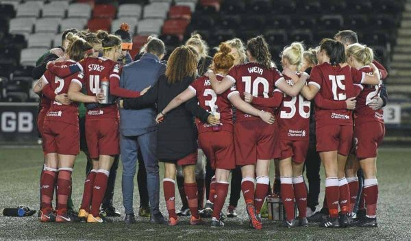 Liverpool Ladies manager Scott Rogers talks to his players after the Liverpool Ladies v Bristol City Women WSL game at Select Security Stadium on January 27, 2018 in Widnes, England. (Photo by Nick Taylor/Liverpool FC/Liverpool FC via Getty Images)