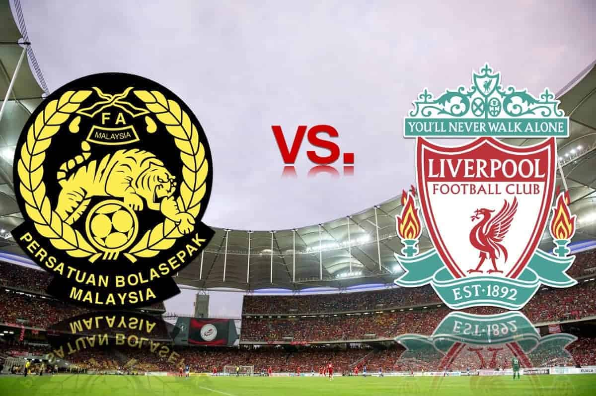 KUALA LUMPUR, MALAYSIA - Saturday, July 16, 2011: Liverpool take on a Malaysia XI in front of 80,000 spectators at the National Stadium Bukit Jalil in Kuala Lumpur on day six of the club's Asia Tour. (Photo by David Rawcliffe/Propaganda)